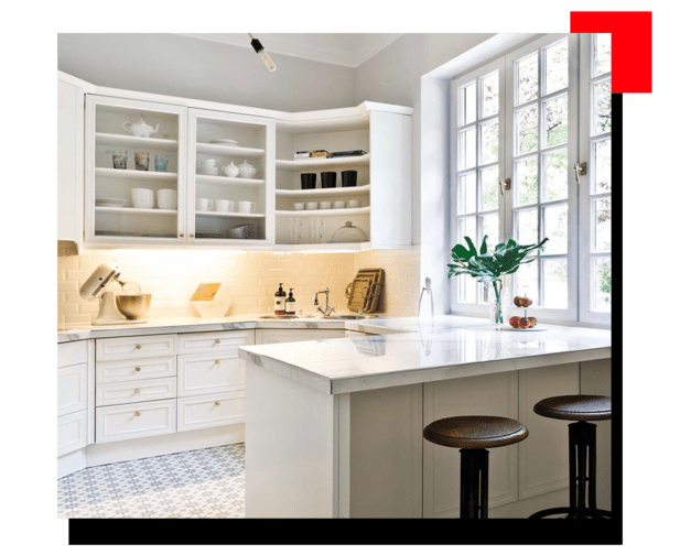 Cocina con piso blanco