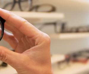 ¿Cómo saber si necesito lentes? 7 señales que te lo dirán