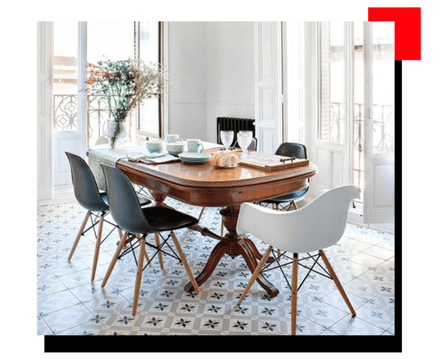 Comedor con sillas modernas